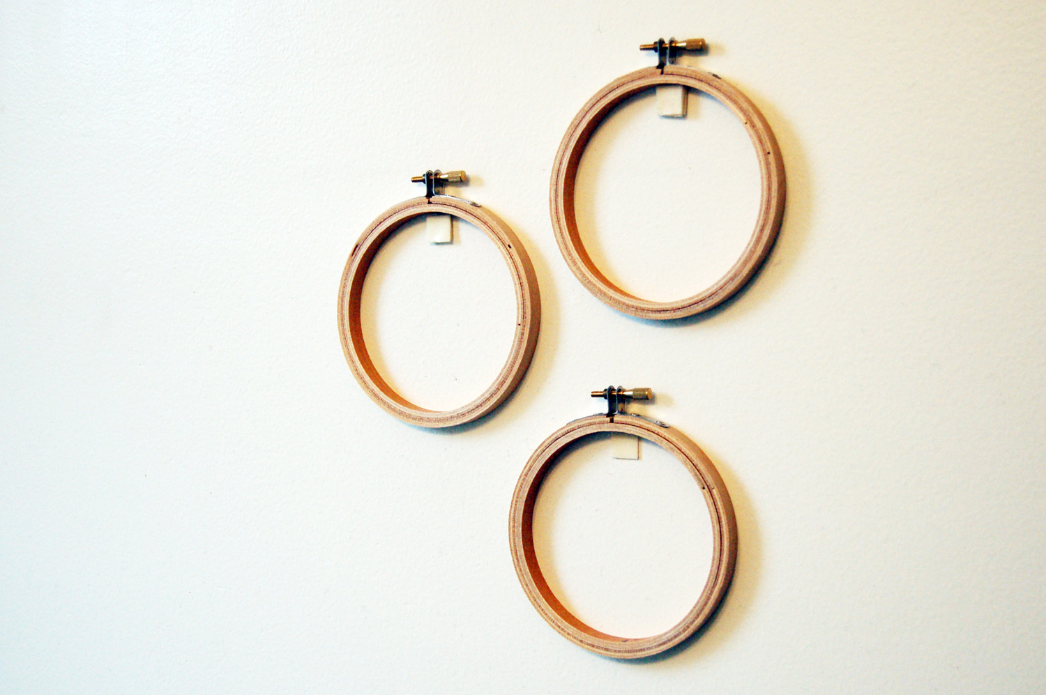Hanging hoops without wall damage themerriweather council blog how to hand embroidery hoops without wall damage the meriweather council blog ccuart Choice Image